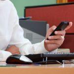 Inilah 4 Alasan Kenapa Smartphone Wajib Disimpan di Locker pada Saat Jam Kerja