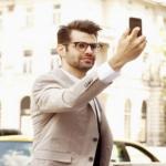 Dampak Negatif Selfie, Lingkungan Sekitar Anda bisa Jengkel